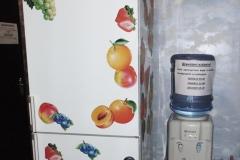 7. Міні-кухня та кулер з водою. Фото1
