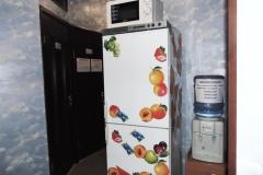 7. Міні-кухня та кулер з водою. Фото2